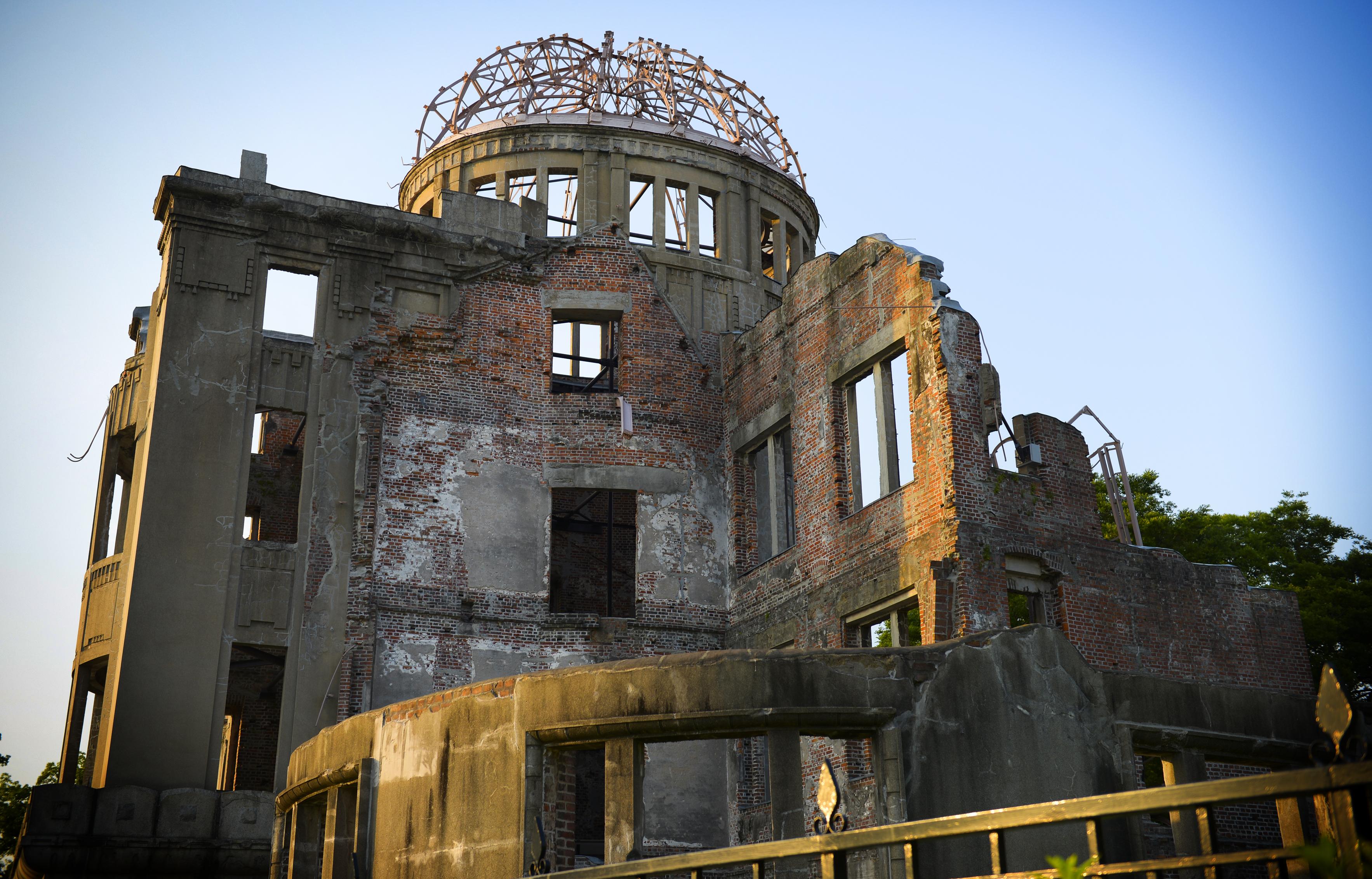 Obama bezoekt Hiroshima terwijl de Verenigde Staten hun kernwapenarsenaal moderniseren