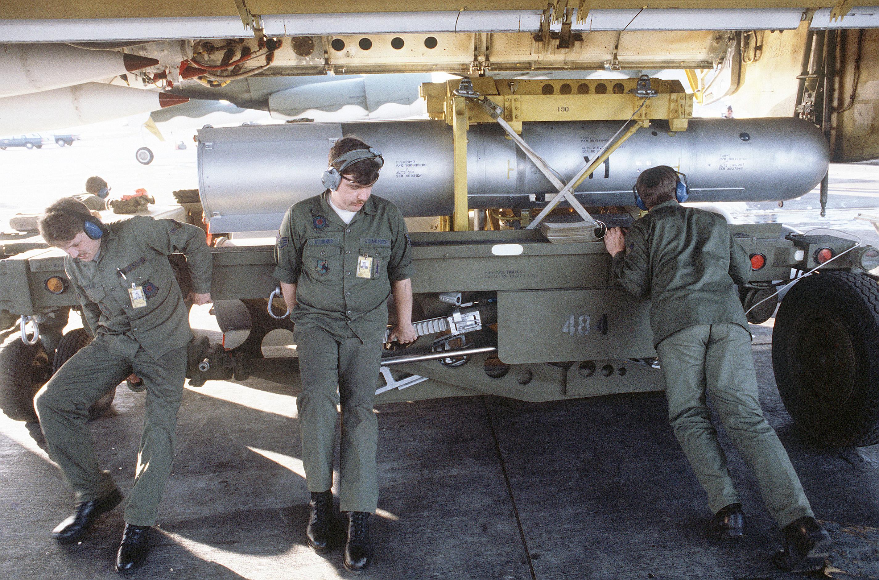 Arrêtons ces futiles et dangereux argumentaires en faveur des armes nucléaires